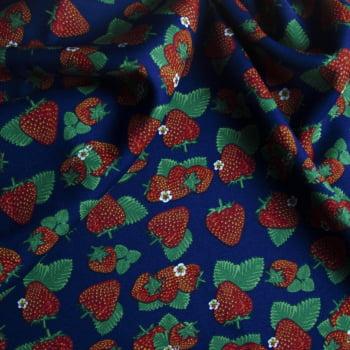 Tecido oxford estampado morango fundo azul marinho